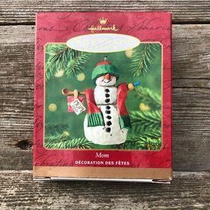 Hallmark Mom Keepsake Ornament Family Snowman 2001